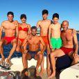 Zinédine Zidane pose avec sa femme Véronique et leurs quatre fils lors de leurs vacances à Ibiza, juillet 2017.
