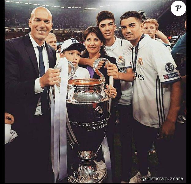 Zinédine Zidane et Véronique sont parents de quatre garçons : Enzo, Lucas, Théo et Eliaz.