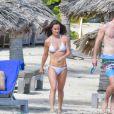 Pippa Middleton, son mari James Matthews - Pippa Middleton se baigne dans les eaux bleues de Saint Barthélemy avec sa famille le 25 décembre 2019.