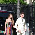 Eddie Redmayne et sa femme Hannah Bagshawe - Les célébrités arrivent à la réception du mariage de Zoe Kravitz et Karl Glusman dans la maison de Lenny Kravitz à Paris, France, le 29 juin 2019.