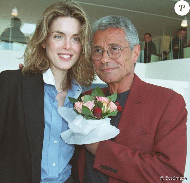 """Julie Andrieu et Jean-Marie Perrier - Les champagnes Gosset réunissent les stars le 21 mai 2002. """""""