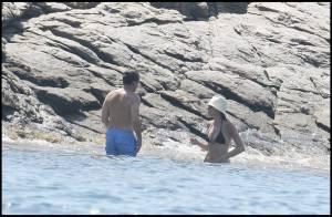 Nicolas et Carla en vacances : c'est le début du défilé de maillots de bain !