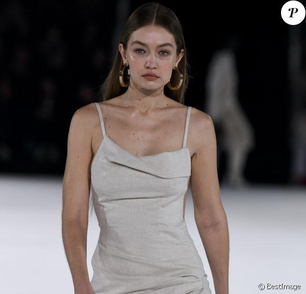 Gigi Hadid - Défilé Jacquemus Homme automne-hiver 20/2021 intitulé 1997 à Paris, le 18 janvier 2020.