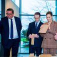 La princesse Victoria et le prince Daniel de Suède lors de leur visite de la société Valinge Innovation à Höganäs, en Scanie, le 29 janvier 2020.