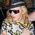 Madonna entourée de deux gardes du corps dans les rues de New York, le 17 septembre 2019.