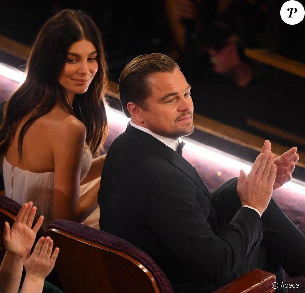 Leonardo DiCaprio et sa compagne Camilla Morrone au premier rang du Dolby Theatre lors de la cérémonie des Oscars 2020, le 9 février 2020 à Los Angeles.