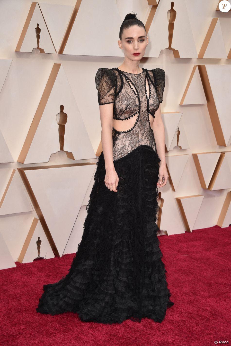 Rooney Mara assiste aux 92e Oscars au Dolby Theatre, habillée d'une robe Alexander McQueen. Hollywood, Los Angeles, le 9 février 2020.