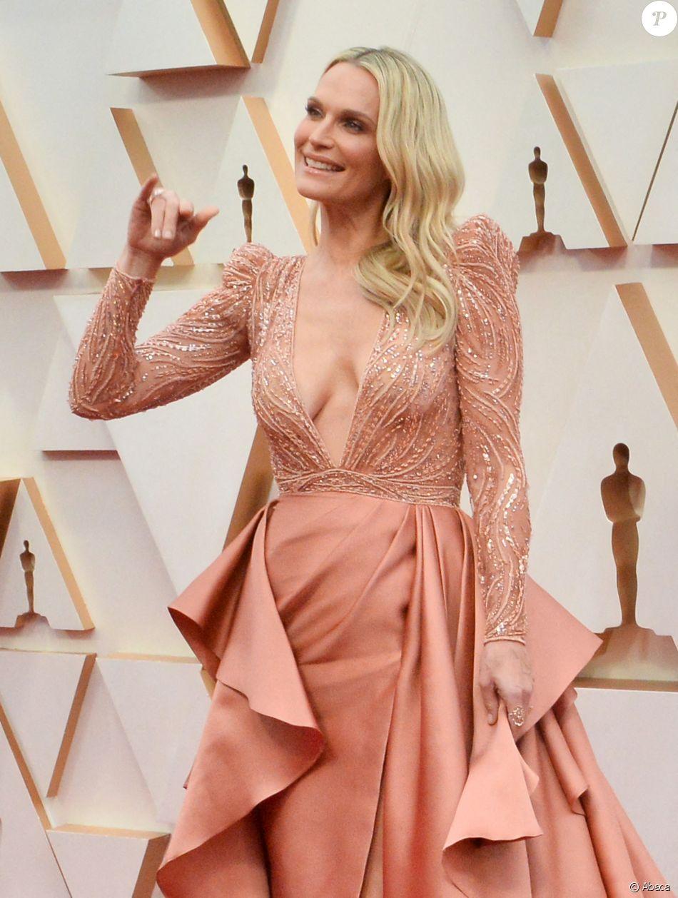 Molly Sims assiste aux 92e Oscars au Dolby Theatre, habillée d'une robe Haute Couture Zuhair Murad (collection printemps-été 2020). Hollywood, Los Angeles, le 9 février 2020.
