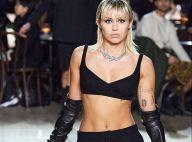 Miley Cyrus : Défilé en soutien-gorge sous les yeux de Nicki Minaj et son mari