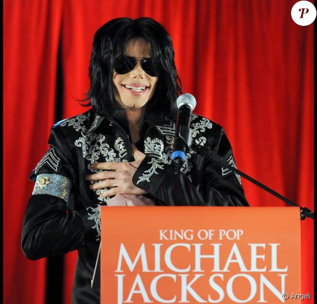 Michael Jackson lors de la conférence de presse annonçant la tournée This Is It le 5 mars 2009
