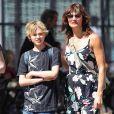 Helena Christensen et son fils Mingus Reedus à New York, le 12 mai 2012.