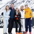 La comtesse Eloise, le prince Constantijn des Pays-Bas, la comtesse Leonore, la princesse Laurentien des Pays-Bas, le comte Claus-Casimir lors d'un shooting photo aux sports d'hiver à Lech, Autriche le 25 février 2020.