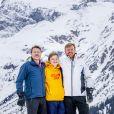 Le prince Constantijn des Pays-Bas, le comte Claus-Casimir et le roi Willem-Alexander des Pays-Bas etre garçons lors de la séance photo avec la presse à l'occasion des vacances de la famille royale aux sports d'hiver à Lech, Autriche, le 25 février 2020.