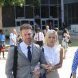 Lorraine Gilles et son mari Michael Bleau vont déjeuner lors de la pause du procès du divorce de Mel B et Stephen Belafonte à Van Nuys le 8 septembre 2017.