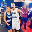 """Vitaa dans l'émission """"Les Enfoirés"""" diffusée le 6 mars 2020 sur TF1."""