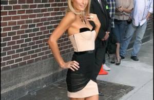 Paris Hilton : pour trouver une amie, elle passe une petite annonce... Pathétique, vous avez dit ? Regardez !