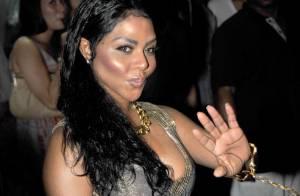 Lil Kim la bombe du rap US livre un show sexy très V.I.P...