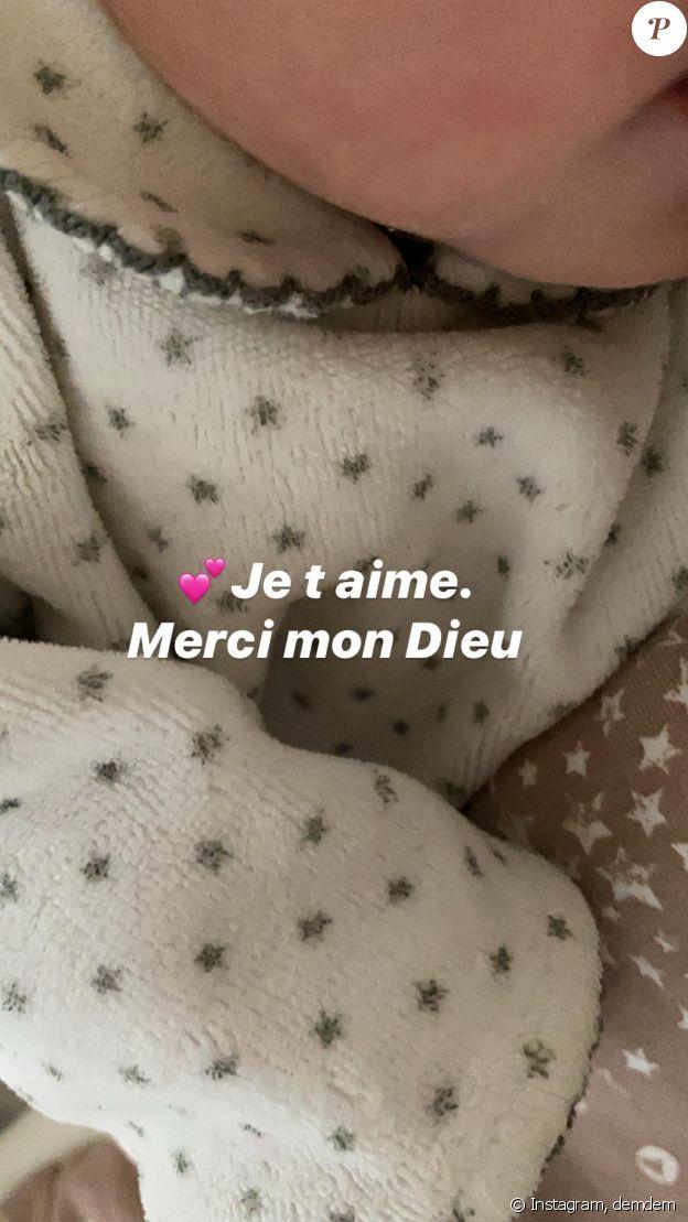 Demdem a annoncé le 19 mars 2020, sur Instagram, avoir donné naissance à son cinquième enfant. Une grossesse que la jeune femme et son mari Gims avaient soigneusement cachée.