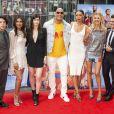 Jon Bass, Priyanka Chopra, Alexandra Daddario, Dwayne Johnson, Ilfenesh Hadera, Kelly Rohrbach et Zac Efron - Photocall de 'Baywatch' au Sony Center à Berlin, le 30 mai 2017.