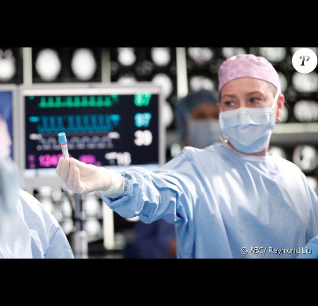 """Ellen Pompeo - Photo prise sur le tournage de la 16e saison de """"Grey's Anatomy""""."""