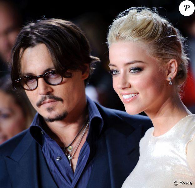 """Johnny Depp et Amber Heard arrivent à la première européenne du film """"The Rum Diary"""", au cinéma Odeon de Londres. Le 3 novembre 2011. @PictureGroup/ABACAPRESS.COM"""