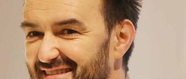 Cyril Lignac : Bouleversé en direct par sa soeur Céline, aide-soignante