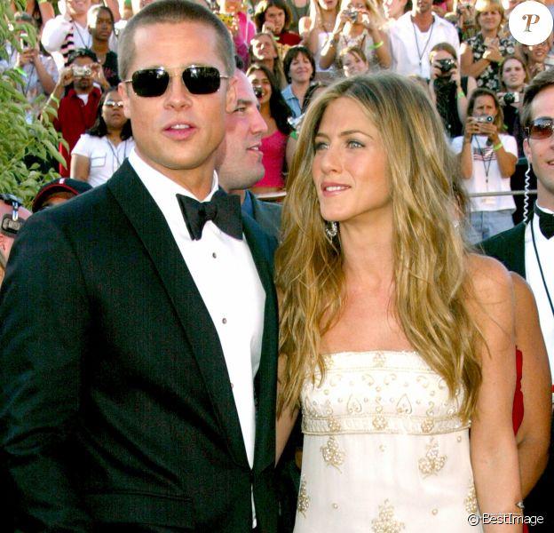 Brad Pitt et Jennifer Aniston aux Emmy Awards à Los Angeles, en 2004.