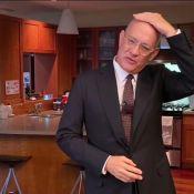 """Tom Hanks, le crâne rasé : il a été le """"cobaye"""" des stars pour le coronavirus"""
