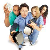 Scrubs : Découvrez les nouveaux personnages qui vont remplacer JD, Elliott, Carla et Janitor !