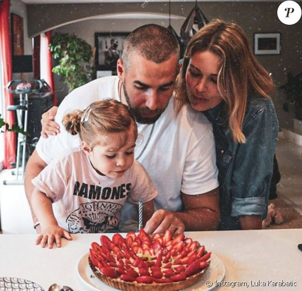 Luka Karabatic, Jeny Priez et leur fille Deva. Avril 2020.