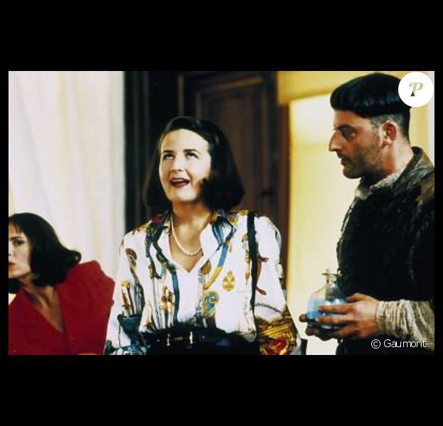 """Valérie Lemercier dans le film """"Les Visiteurs"""". 1993."""