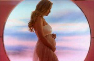 Katy Perry enceinte : Ses looks de grossesse, un défilé de couleurs et de motifs