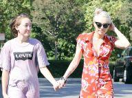 """Noah Cyrus : Grandir avec sa soeur Miley était """"absolument atroce"""""""