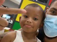 Tony Yoka pousse son fils de 2 ans et demi à l'incivilité, vidéos improbables