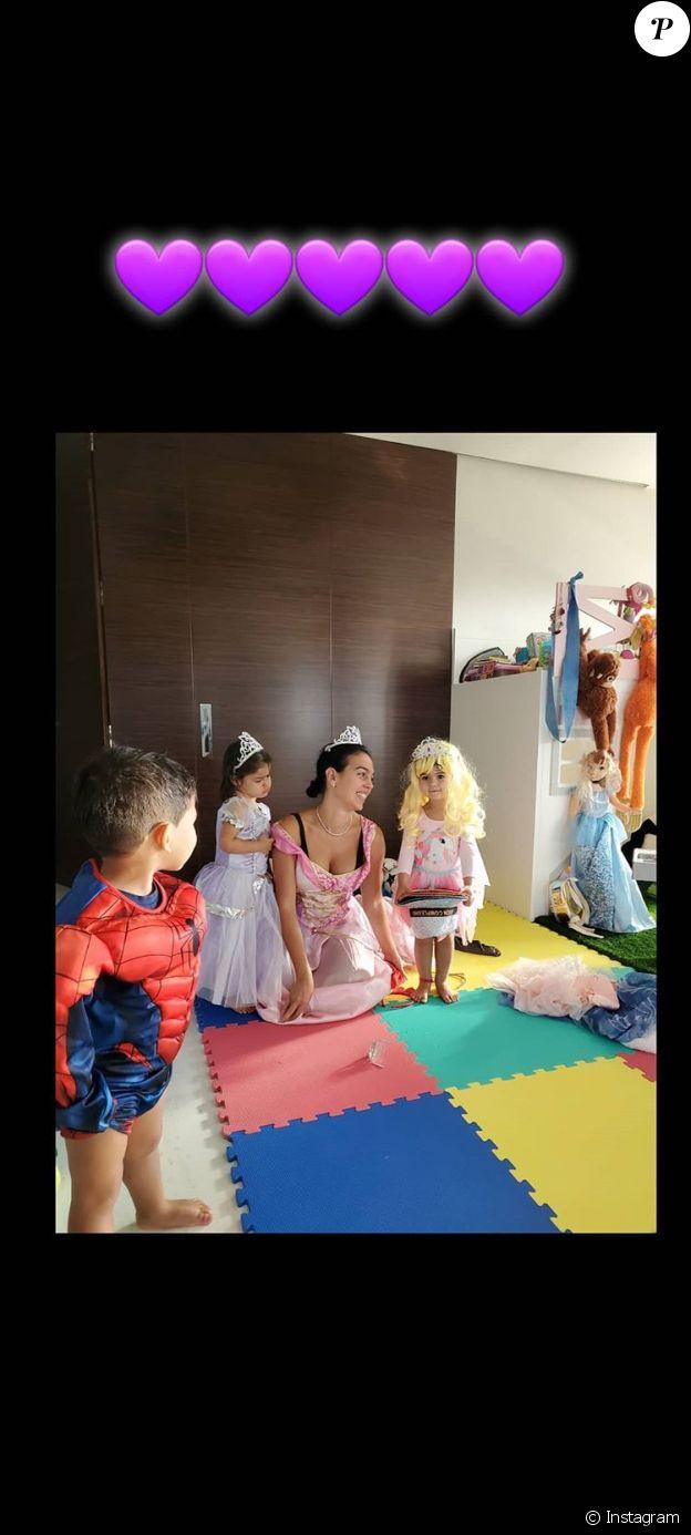 Georgina Rodriguez déguisée en princesse sur Instagram, le 31 mai 2020