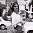 Jane Birkin et sa fille Charlotte à Nice en 1972.