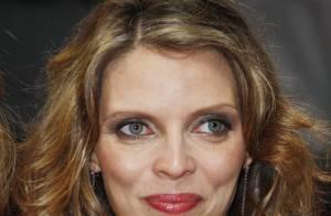 Sylvie Tellier bien enceinte, Chloé Mortaud décolletée et Frédérique Bel très courte... c'est charmant !