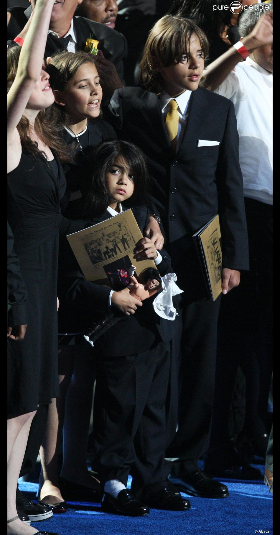 Cached Michael jackson funeral pictures children