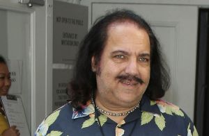 Ron Jeremy : L'acteur X inculpé pour trois viols, il encourt 90 ans de prison