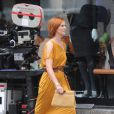 Cynthia Nixon superbe dans sa robe orange sur le tournage de Sex and The City 2 à New York
