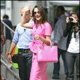 Kristin Davis aussi mignonne qu'un bonbon rose sur le tournage de Sex and The City 2 à New York