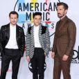 Joseph Mazzello, Rami Malek, Gwilym Lee à la soirée 2018 American Music Awards au théâtre Microsoft à Los Angeles, le 9 octobre 2018.
