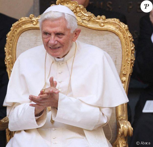 Le pape Benoît XVI et son frère Georg Ratzinger en mars 2012.