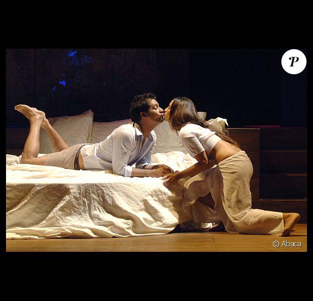 Elisa Tovati et Titoff dans la pièce Open bed