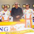 Flavio Briatore au début de la saison 2009 avec Fernando Alonso et Nelson Piquet Jr.
