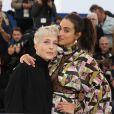 """Jeanne Added et Camélia Jordana au photocall du film """"Haut les filles"""" lors du 72e Festival International du Film de Cannes, France, le 21 mai 2019. © Jacovides-Moreau/Bestimage"""