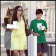 Oksana Grigorieva enceinte du 8e enfant de Mel Gibson est allée acheter un gâteau avec son fils Alexander (qu'elle a eu avec Timothy Dalton)