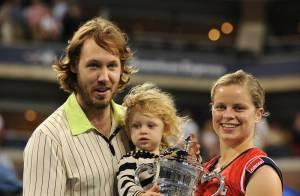 Kim Clijsters remporte l'US Open et fête sa victoire... avec son mari et son adorable fille !