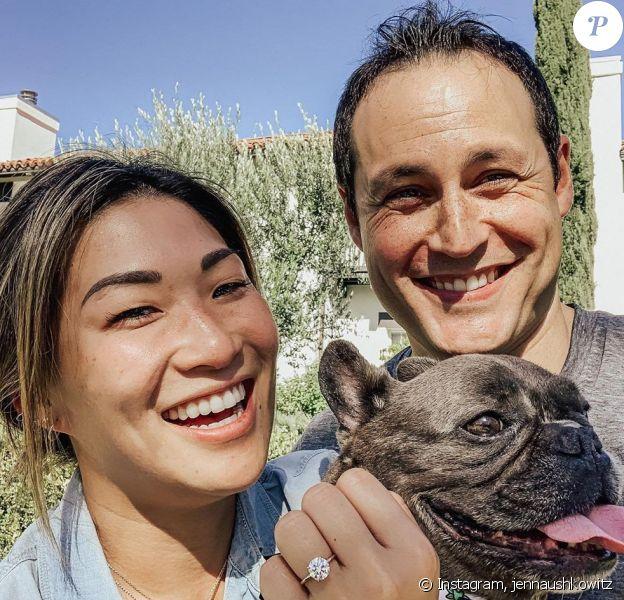 Jenna Ushkowitz dévoile sa bague de fiançailles sur Instagram, le 2 août 2020.