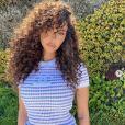 Nabilla dévoile sa nouvelle coiffure. Elle a craqué pour des cheveux bouclés. Août 2020.